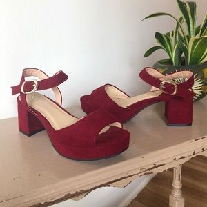 Vintage Y2K Chinese Laundry Chunky Sandals Red